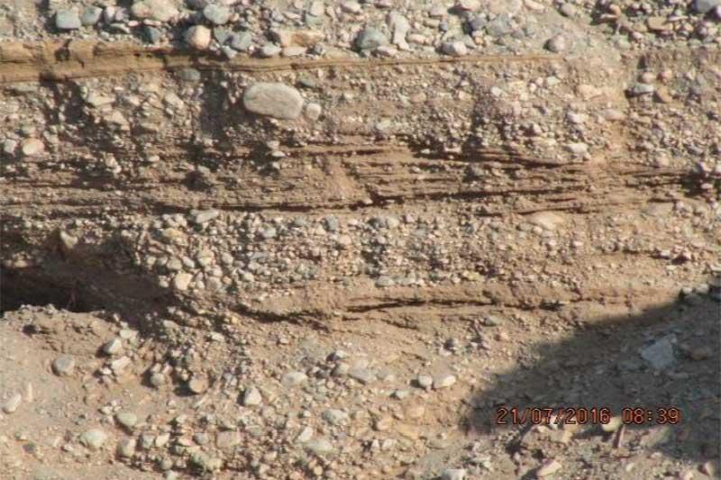نمایی از پروفیل خاک مناسب جهت احداث باغ مرکبات